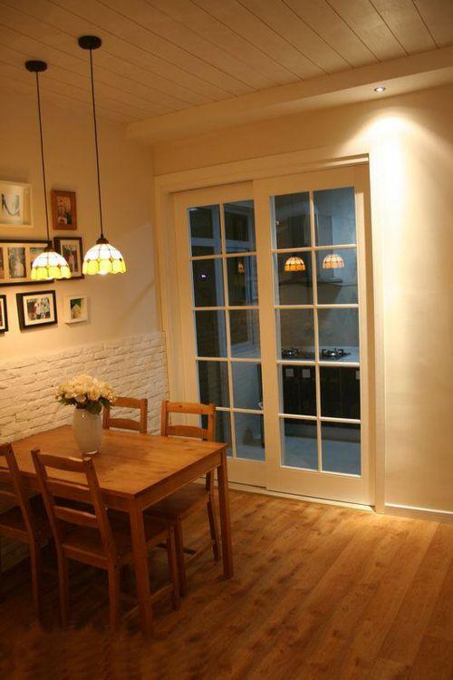现代简约三居室餐厅餐桌装修图片