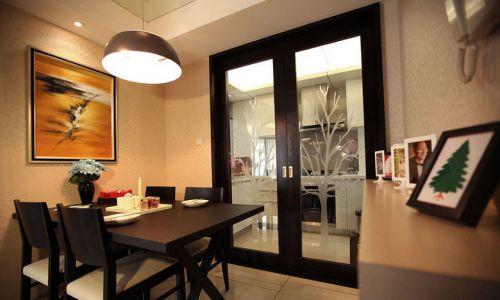 现代简约三居室餐厅装修图片欣赏