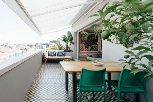 现代风格温暖休闲阳台装修实景图