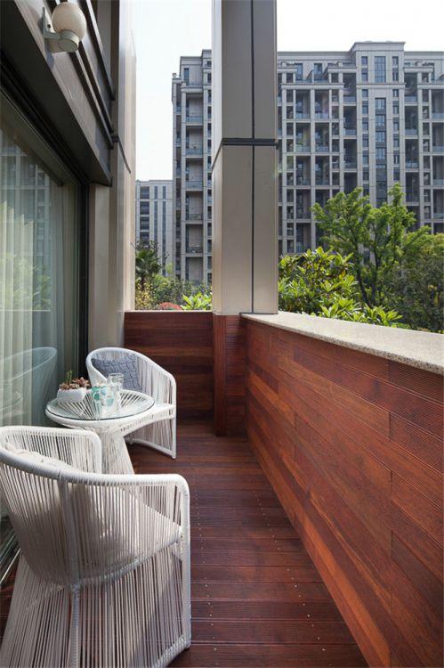 现代简约三居室阳台隐形门装修效果图欣赏