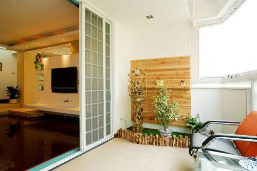 现代简约四居室阳台装修效果图大全