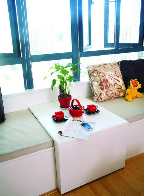 现代简约三居室阳台榻榻米装修效果图大全