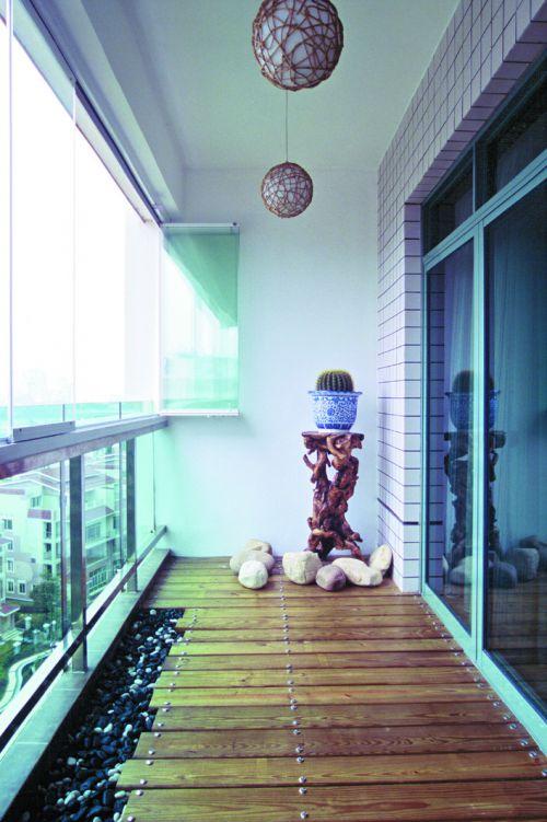 现代简约一居室阳台装修效果图欣赏