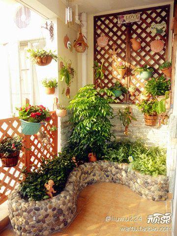 现代简约四居室阳台装修图片