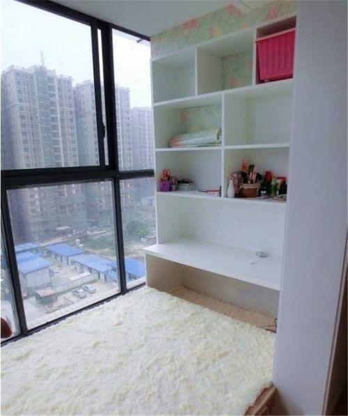 现代简约二居室阳台组合柜装修效果图欣赏