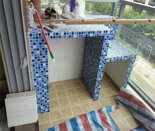 现代简约二居室阳台榻榻米装修效果图