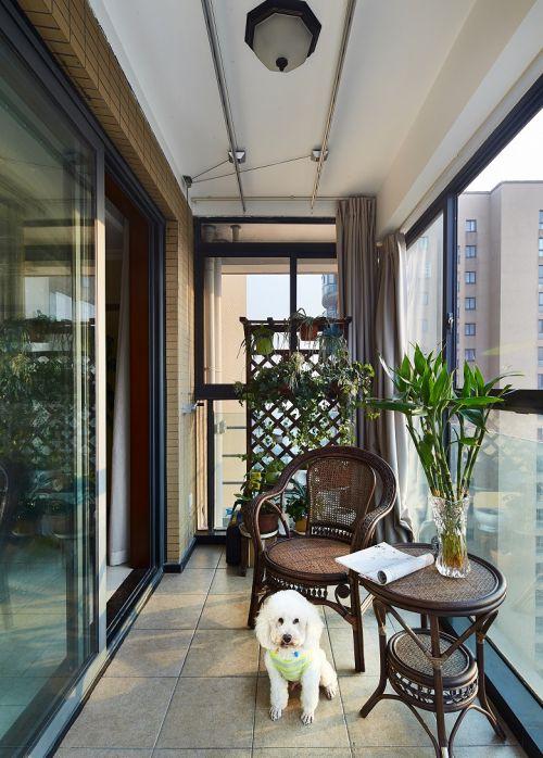现代风格四居室阳台装修效果图