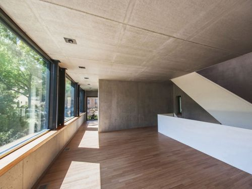 原木色极简现代简约风格别墅阳台设计