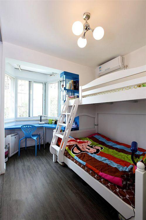 现代简约一居室儿童房床装修效果图欣赏