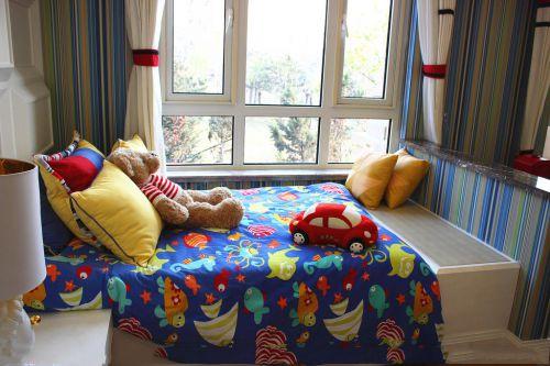二室现代简约儿童房彩色装饰床效果图