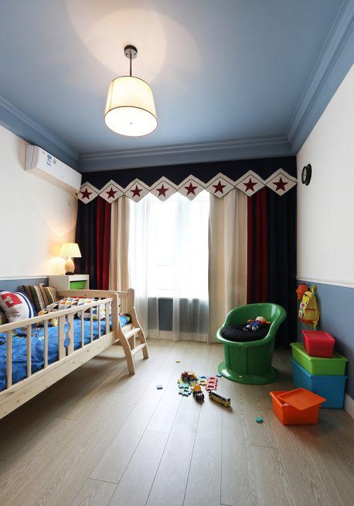 时尚现代风格儿童房灯具装修案例