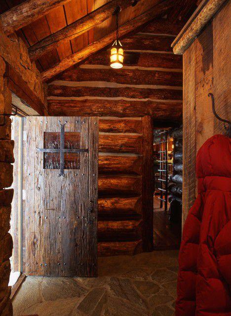 后现代风格尖顶木屋衣帽间装修设计