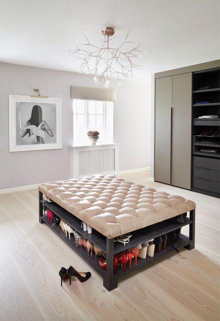 现代简约风格别墅衣帽间鞋柜装修设计