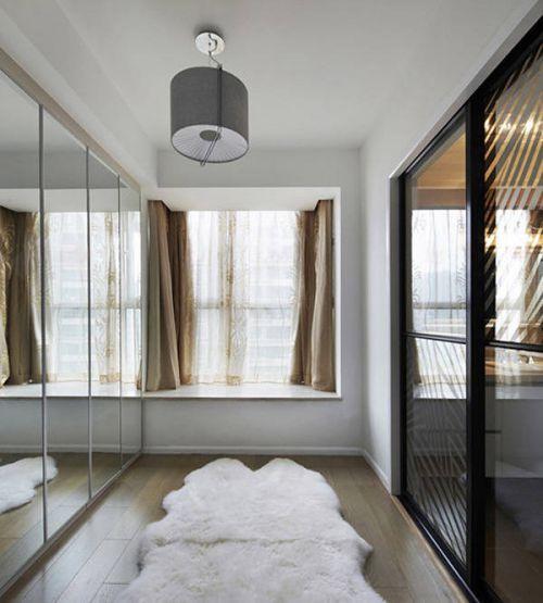 现代风格复式楼衣帽间窗帘图片欣赏