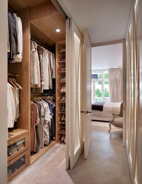 现代简约风格别墅衣帽间衣柜装修设计