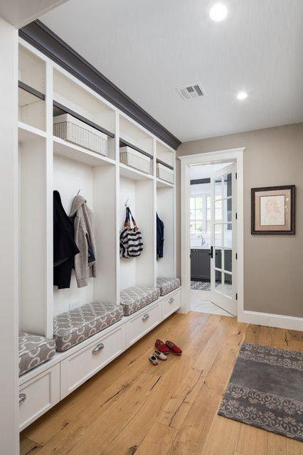 典雅白色现代风格三居衣帽间衣柜设计