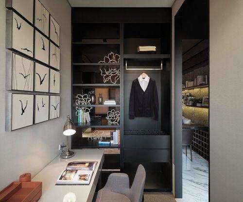 现代简约四居室衣帽间组合柜装修图片