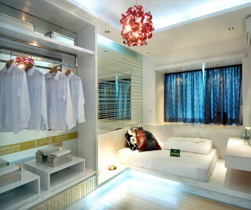 现代简约三居室衣帽间窗帘装修效果图