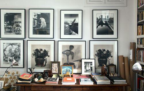 现代简约黑色书房照片墙装修效果图