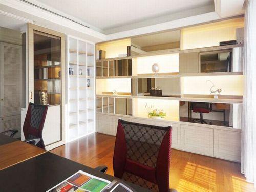 现代简约风格白色书房空间装修实景图