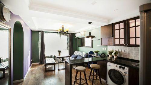 褐色美式风格客厅装修设计欣赏