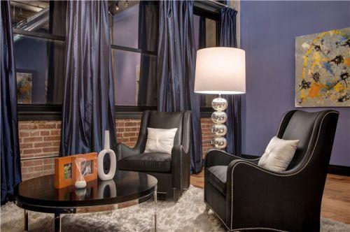美式风格浪漫紫色客厅装潢案例