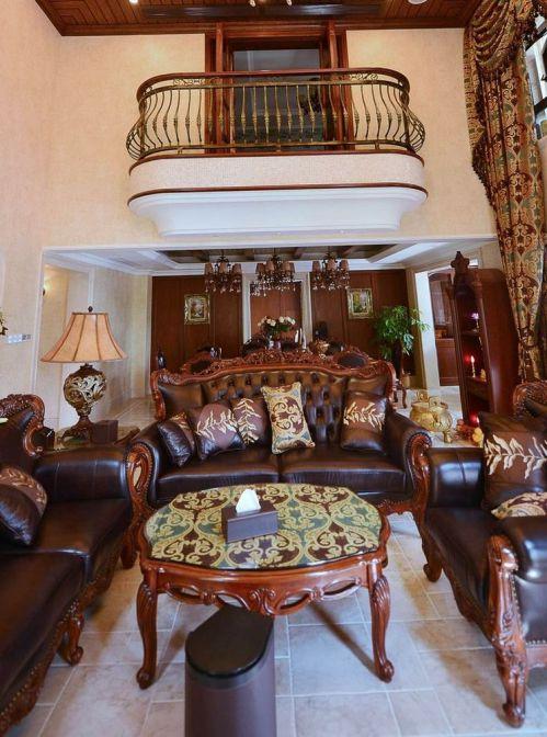 美式风格奢华原木色客厅装潢设计