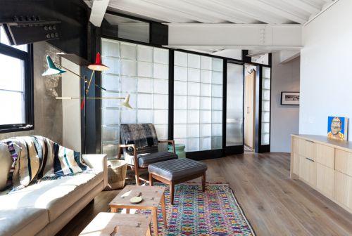工业时尚美式白色客厅装修设计