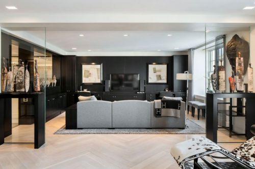黑色现代客厅背景墙装潢案例