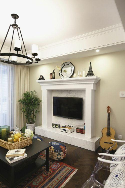 美式风格米色清爽客厅装潢案例