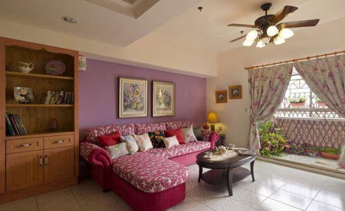紫色创意混搭客厅装潢案例