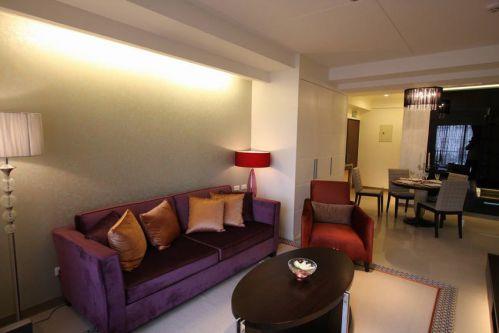 紫色客厅沙发装饰图