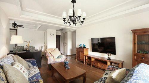 复古雅致简欧米色客厅装饰案例