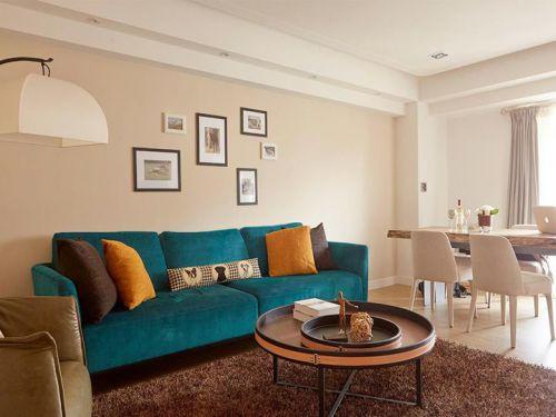 米色宜家风格客厅照片墙装修图片
