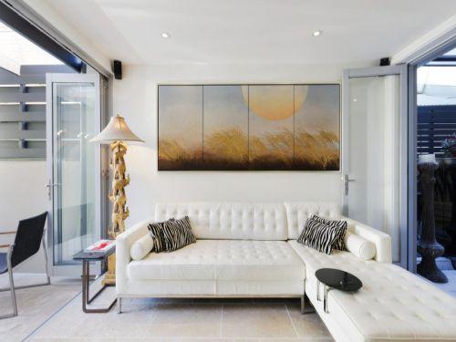 简欧白色客厅沙发装饰案例