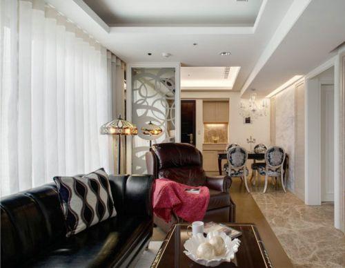 白色简欧风格客厅窗帘装潢