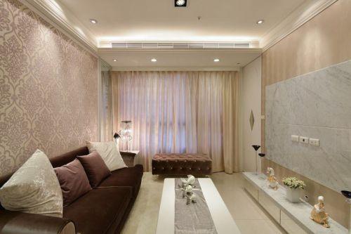 米色雅致简欧风格客厅设计图