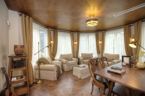 黄色高雅新古典风格客厅装饰赏析