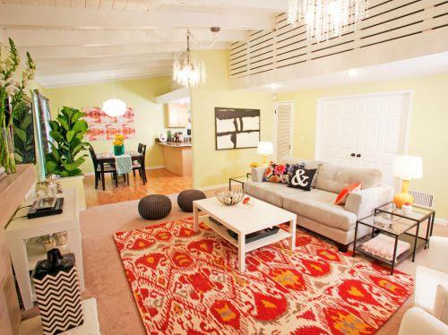红色东南亚风格客厅装修