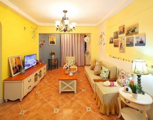 田园风格温馨黄色客厅装潢设计