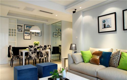 彩色个性现代风格客厅装修案例