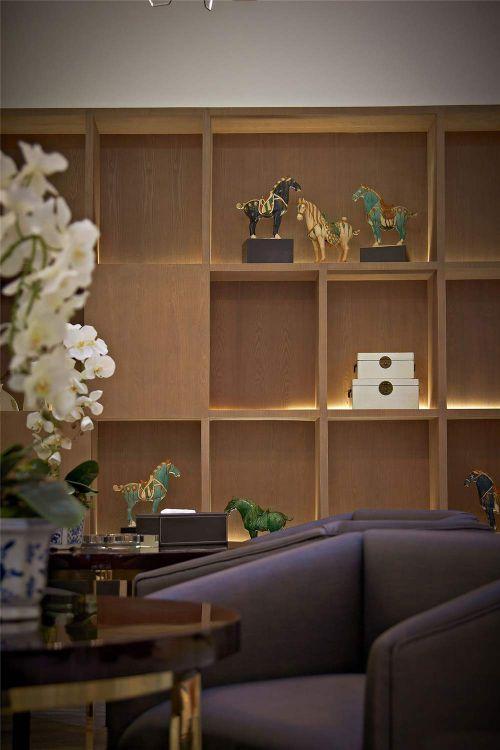 现代古典客厅收纳展示柜欣赏