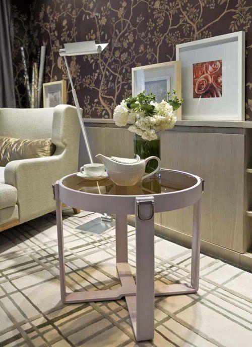 现代时尚质感客厅茶几布置