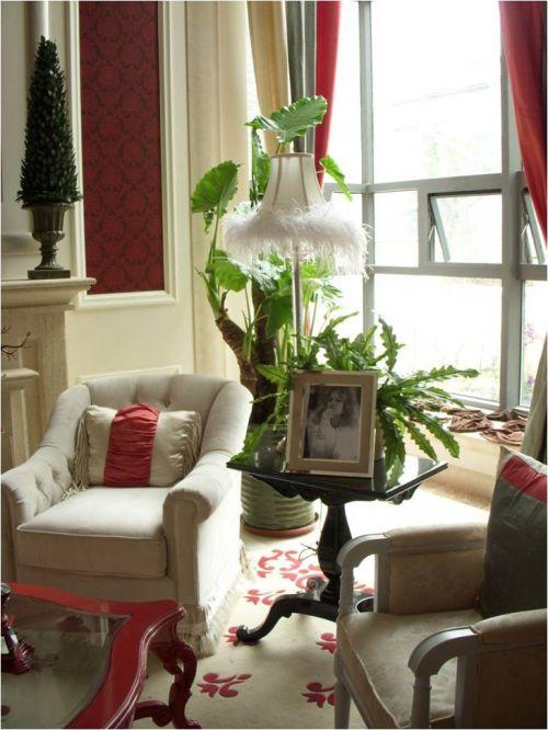 红色欧式风格客厅沙发装修案例
