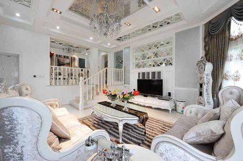 浪漫纯白欧式客厅装潢设计