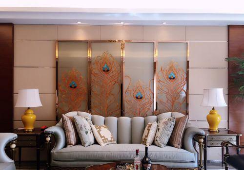 金色屏风客厅背景墙设计