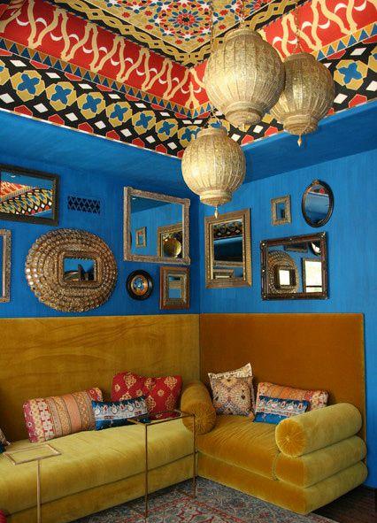 东南亚客厅撞色设计