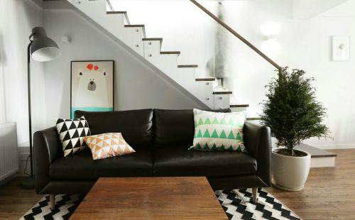 黑白简约loft客厅装修装饰