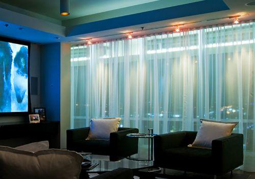 客厅白色窗帘美图