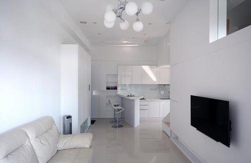 极致简约白色客厅过道装修